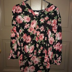 Women's floral blouse (gently worn)